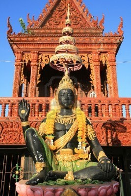 11784203-ornament-indra-god-statue-with-hand-sign-at-samma-chanyawat-temple-in-bangkok-thailand.jpg