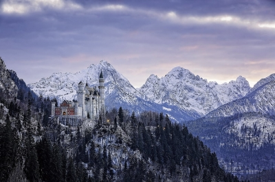 neuschwanstein-castle-bavaria-germany-wallpaper-preview.jpg