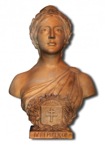 Marianne_French_symbol_of_republic2.jpg
