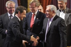 kozy-shakes-hands-with-imf-managing-director-strauss-kahn-at-g20-finance-ministers-and-central-bank-governors-meeting-at-the-elysee-palace-in-paris.jpg